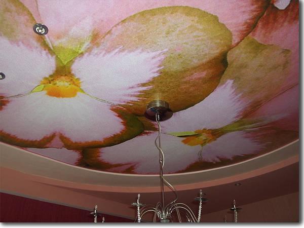Фото Натяжной потолок Черутти