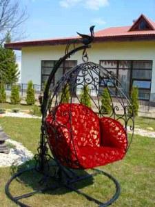 Кованая кресло- качалка