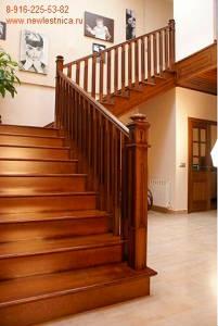 Деревянная лестница на тетивах
