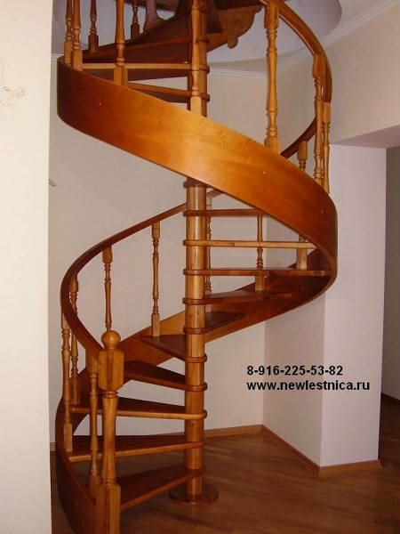 Фото Винтовая лестница