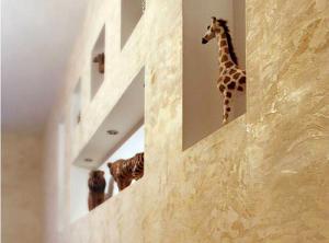 Отделка стен штукатуркой короед, шуба, камешковая