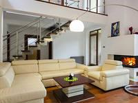 Анонс: Где поставить диван в квартире?