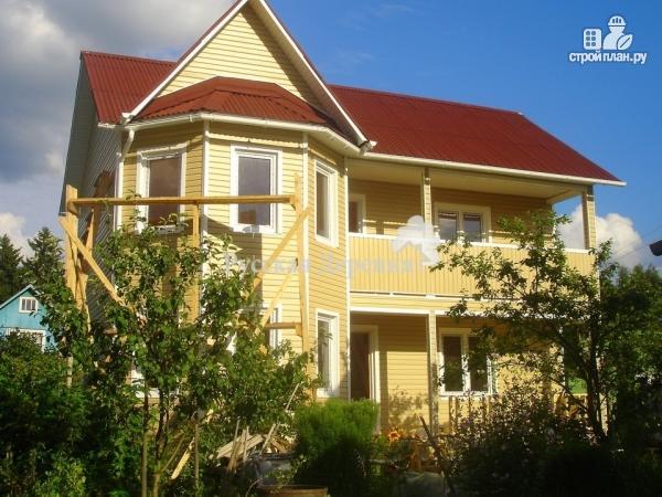 Фото 2: проект двухэтажный дом из профилированного бруса, с эркером, террасой и балконом