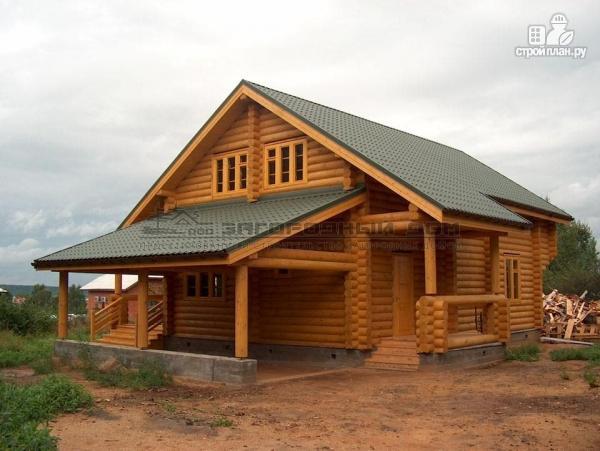 Фото: проект деревянный дом с балконом, террасой, вторым светом и навесом для машины