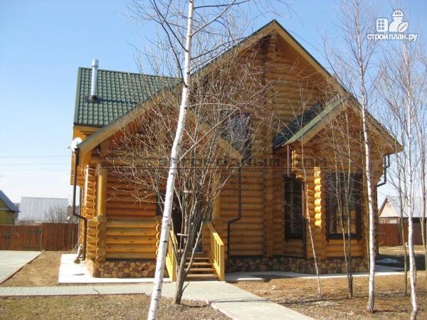 Фото 6: проект деревянный дом с балконом, террасой и вторым светом в гостиной
