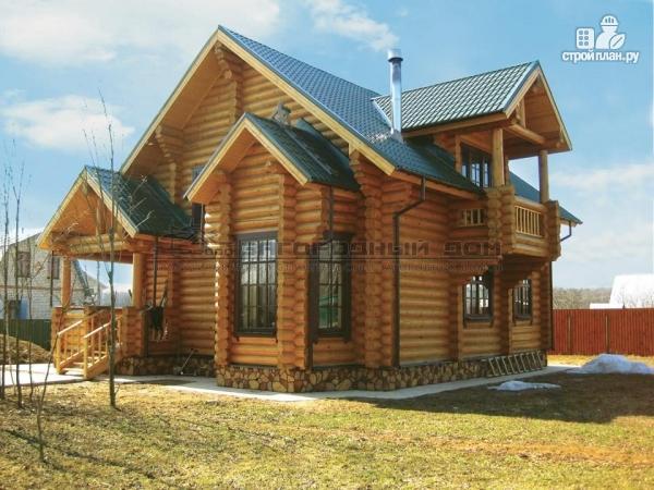 Фото: проект деревянный дом с балконом, террасой и вторым светом в гостиной