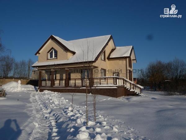 Фото 4: проект дом из бруса с широкой террасой