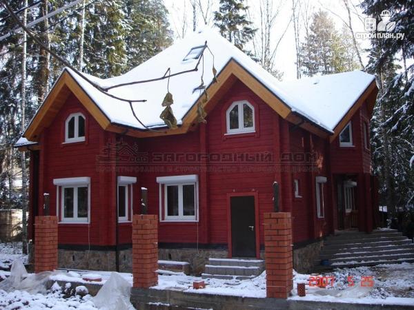 Фото 4: проект загородный дом с камином в двухсветной гостиной