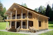 Фото: дом из бревна с балконом и террасой