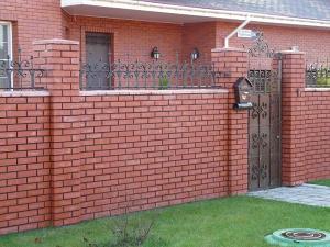 Кирпичный забор от 3000 р/пм
