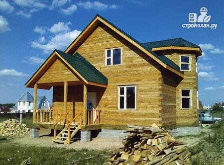 Фото 8: проект дом из бруса 7х8 с эркером в гостиной и крыльцом