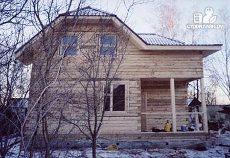 Фото 8: проект дом из бруса 8,5х8,5 с крыльцом и верандой