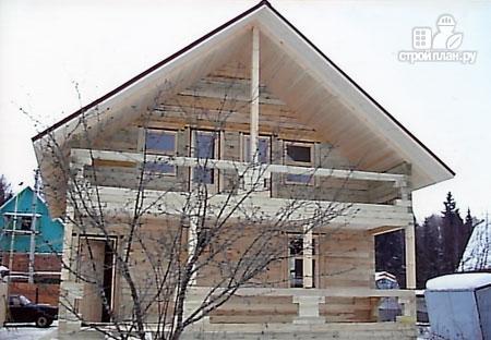 Фото 9: проект дом из бруса 8х10 с балконом и террасой