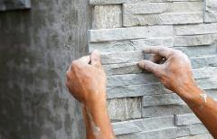 Анонс: Плиточный клей для фасада: выбираем, опираясь на характеристики