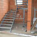 Фото 1: Лестница на двух косоурах