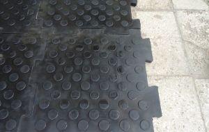 Резиновая плитка напольное покрытие для спортзала, склада, гаража