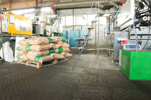 Фото Промышленное резиновое покрытие Резиплит - Зерно