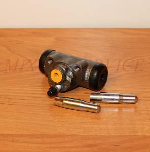 Рабочий тормозной цилиндр для автопогрузчика Toyota 02-7FG14