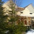 Фото 2: Высокий дом виден издалека