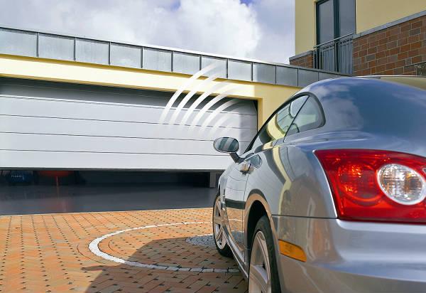 Фото Секционные гаражные ворота