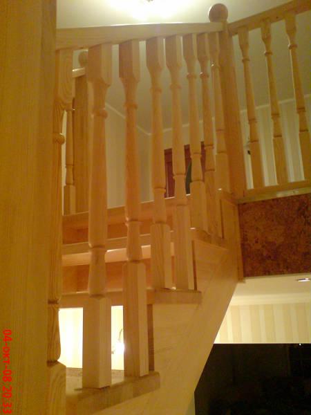Фото Лестницы из дерева от эконом класса до элит класса